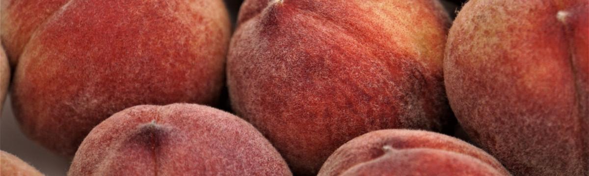 peaches-4320412_1920