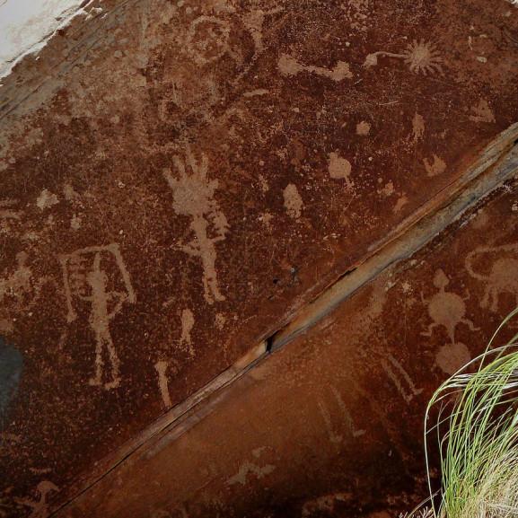 petroglyph-55507_1280
