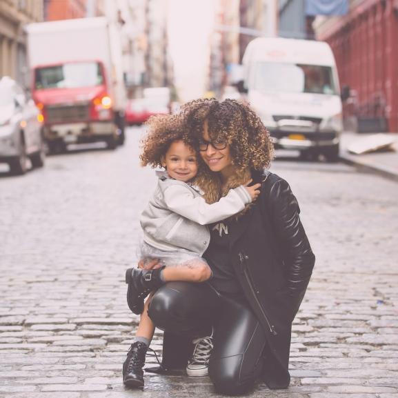 Amikor egy szív emotikon mindennél beszédesebb: az okostelefonok hozták közelebb anyát és lányát