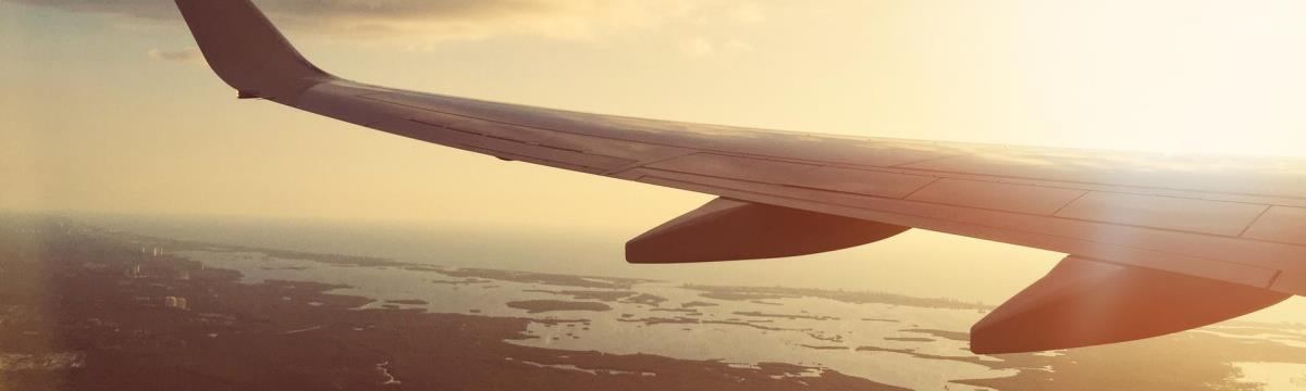 Az egy éves beteg kislány első repülőútja