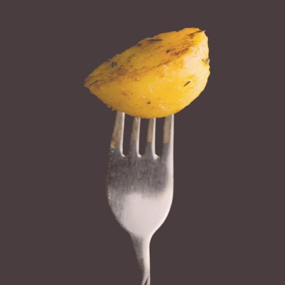 Vége a szenvedésnek! Így pucolhattok krumplit pillanatok alatt