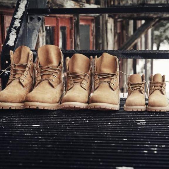 Divattippek, hogy térdig érő hóban se fagyjon le a lábatok