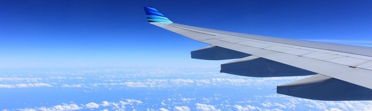 repülő ég utazás
