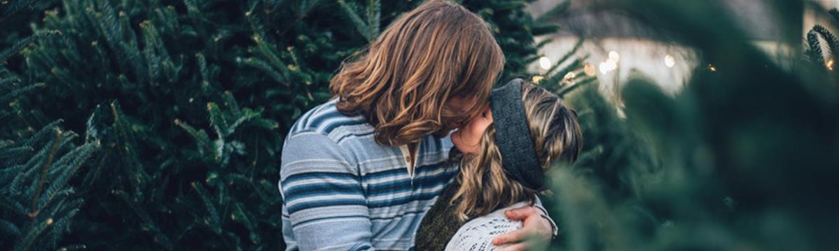 A válasz egy égető kérdésre: ezért csókolózunk csukott szemmel