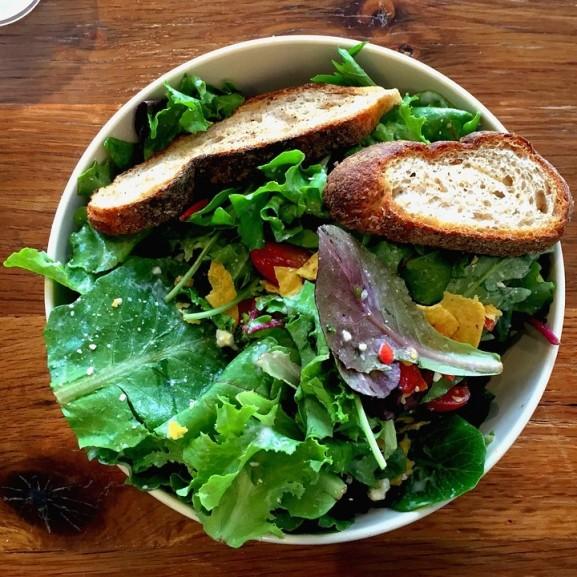 saláta ebéd