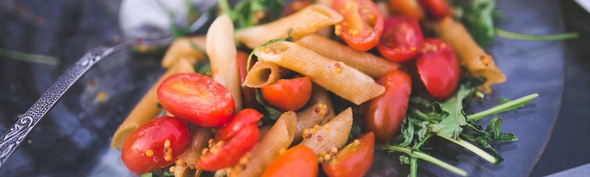 salata-rukkola-paradicsom-teszta