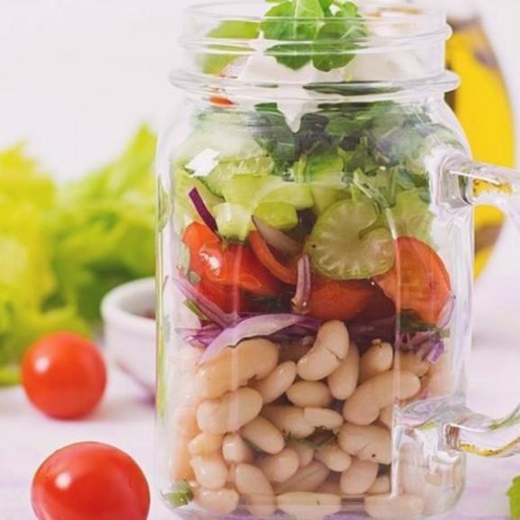 salata-uvegben-munkaebed copy