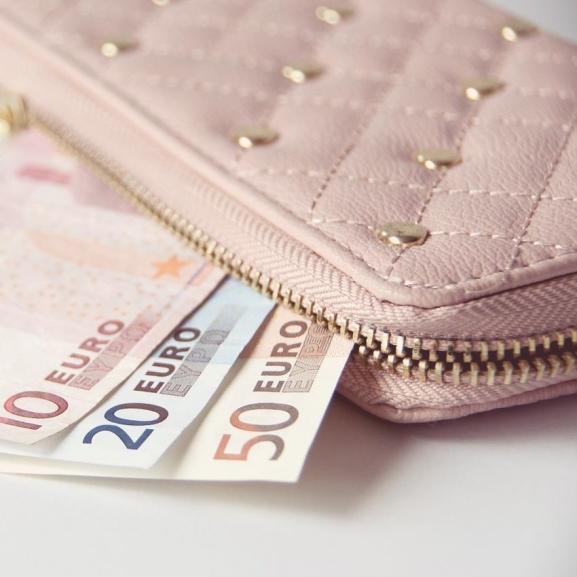 Megbetegedhettek attól, ha koszos a pénztárcátok