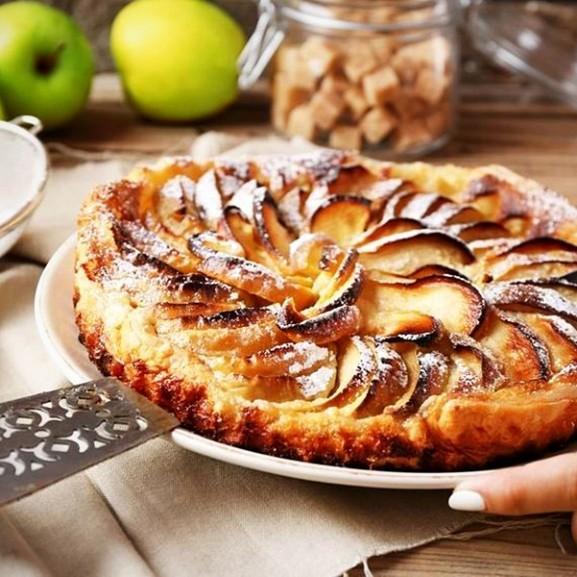 Semmi blabla, csak a vaj és a cukor házassága: a legegyszerűbb almatorta Cookta