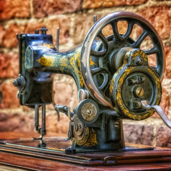 sewing-machine-3728748_1920