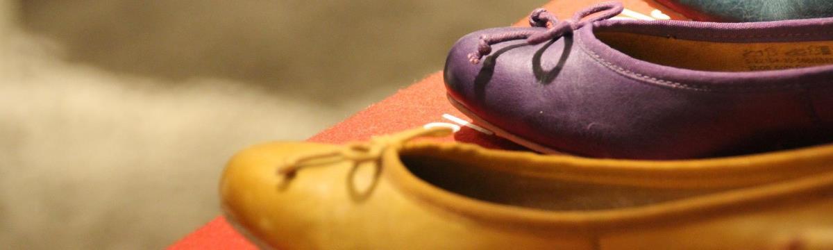 10 pár cipő, ami minden divatos lány szekrényébe kell!