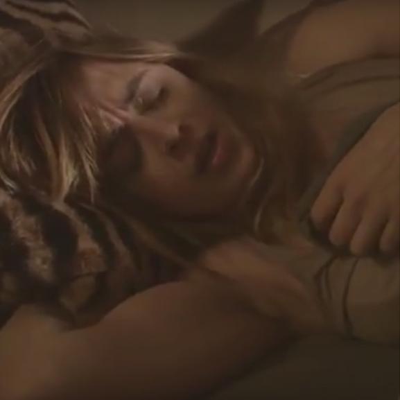 Szexizmussal fűszerezett cigiellenes reklám okozott botrányt