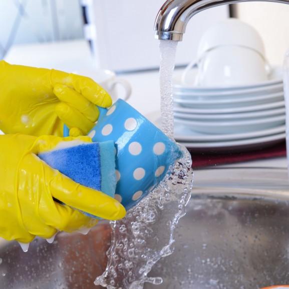 Spóroljunk okos mosogatással – pénzt, időt és energiát