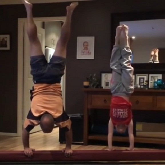 sport gimnasztika videó apuka