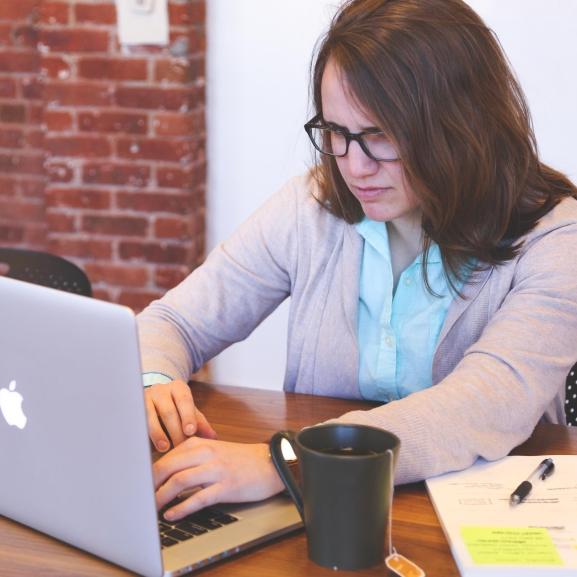 A női informatikusok sokkal jobbak – amíg ki nem derül, hogy nők