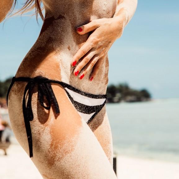 strand bikini fenék popsi