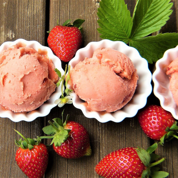 strawberry-ice-cream-2239377_1920