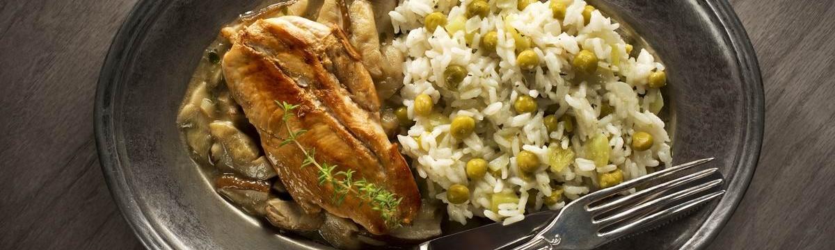 Sült csirkemell rizibizivel és gombaraguval