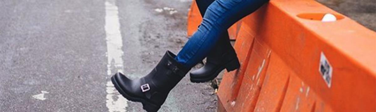 A gumicsizma a legtökéletesebb cipő, amit viselhettek márciusban