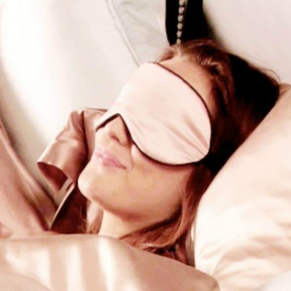 Csipkerózsika szépségtrükkjei: így szépüljetek éjszakánként