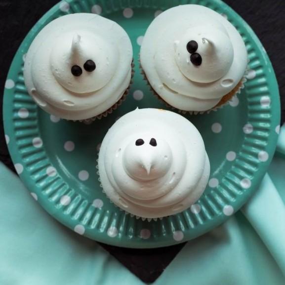 szellemes-habcsokos-muffin-halloween