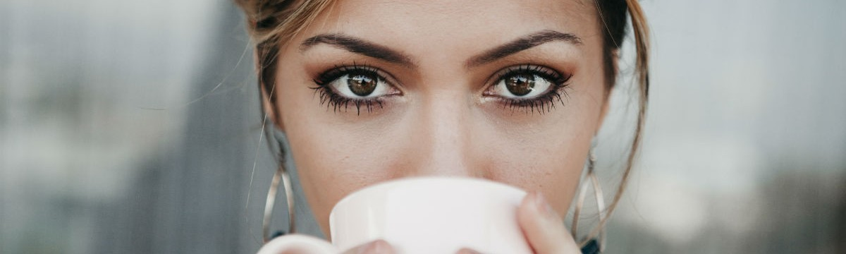 szem nő