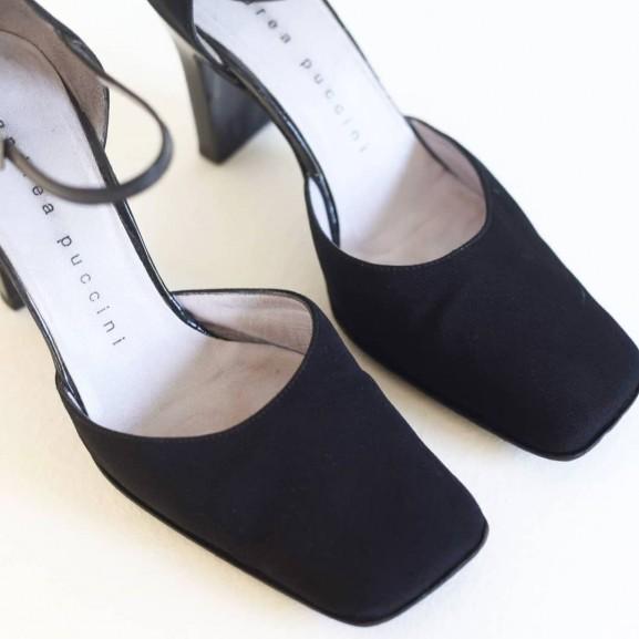 szögletes orr cipő