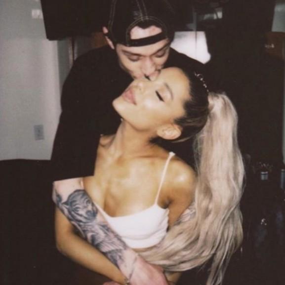Támadják a rajongók Ariana Grande pasiját