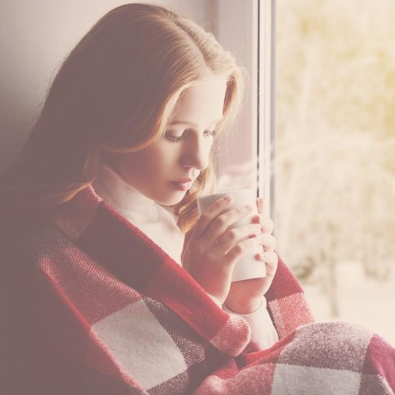 tea pokróc lány bögre iszik