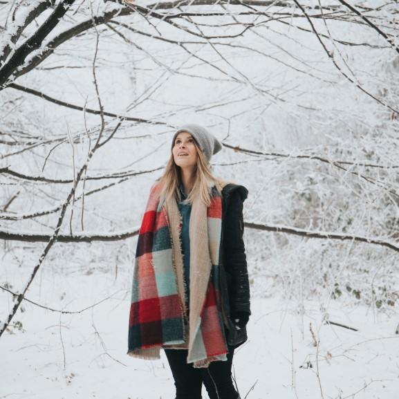 tél lány