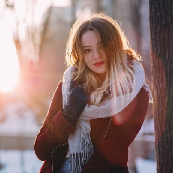 tél nő