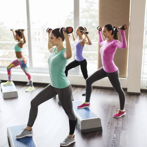teljes testedzés csoport nők