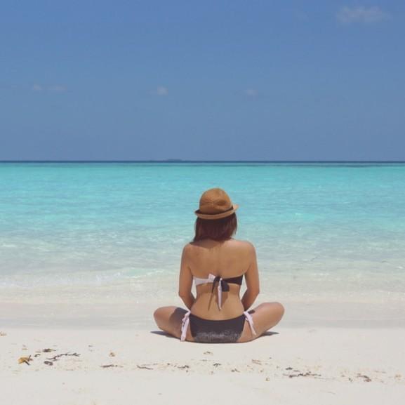 tengerpart napozás nyaralás