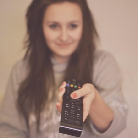 tévé televízió tévézés távirányító