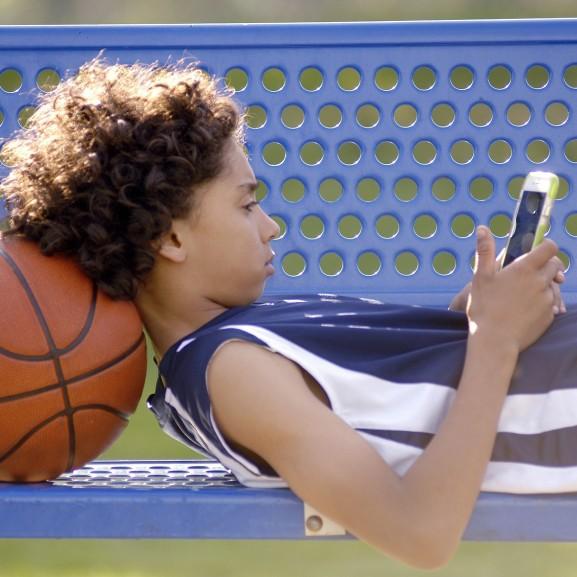 tinédzser kosárlabda telefon