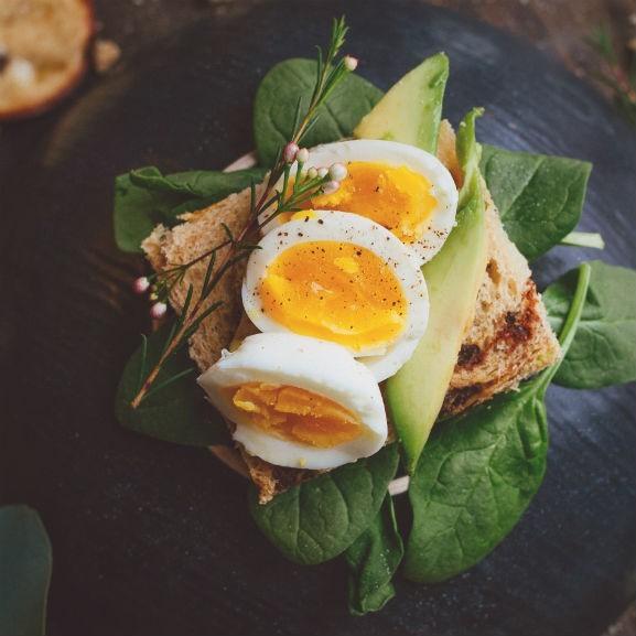 tojás avokádó