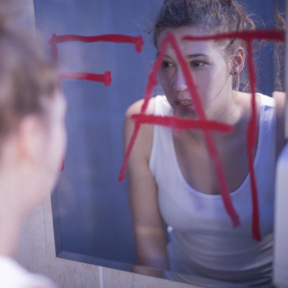 túlsúly tükör lány