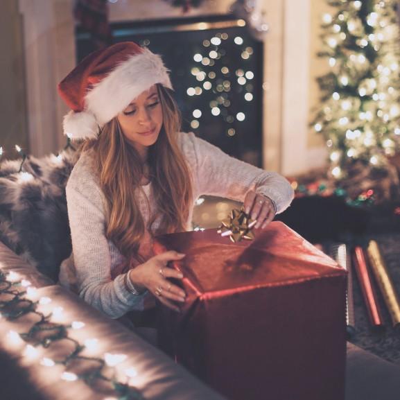 ünnep karácsony ajándék csomagolás
