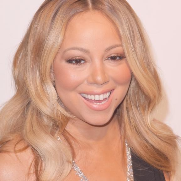 A világ legbizarrabb partiját Mariah Carey rendezte: magának öltöztette be vendégeit