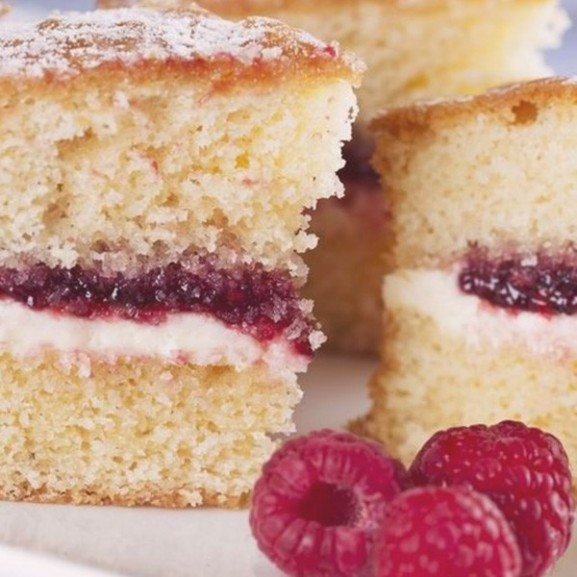 victoria-sponge-cake-viktoria-torta-malnas-angol-sutemeny2 copy