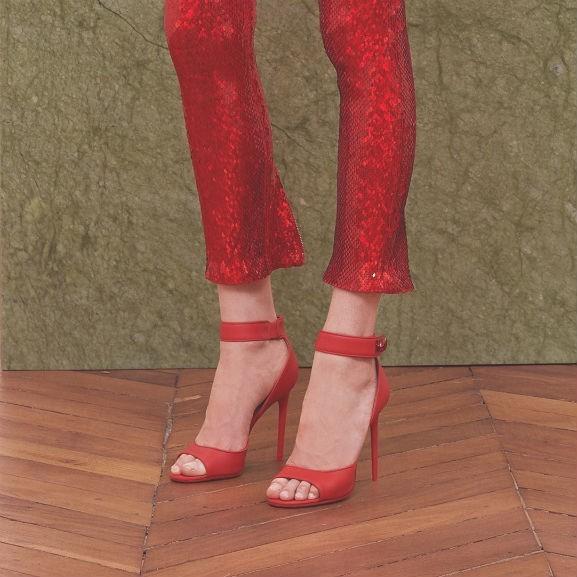 vörös cipő givenchy