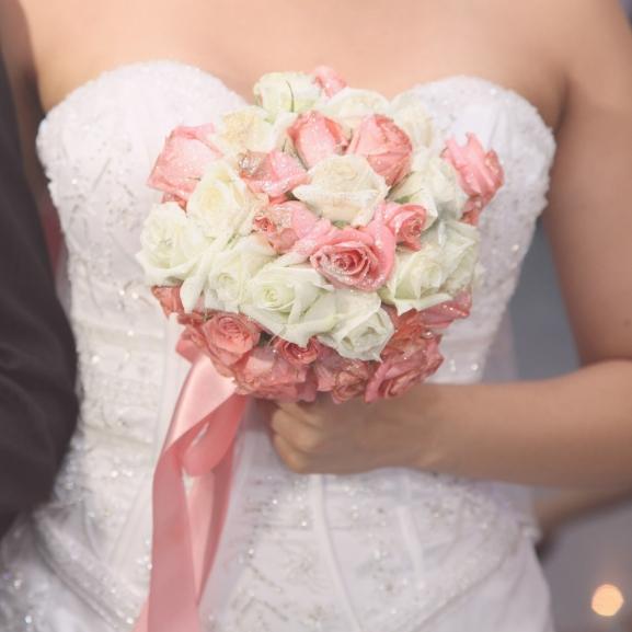 Borzalmas esküvőiruha-trenddel újítottak a szalonok