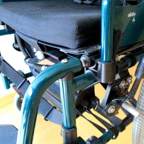 wheelchair-1589471_1920
