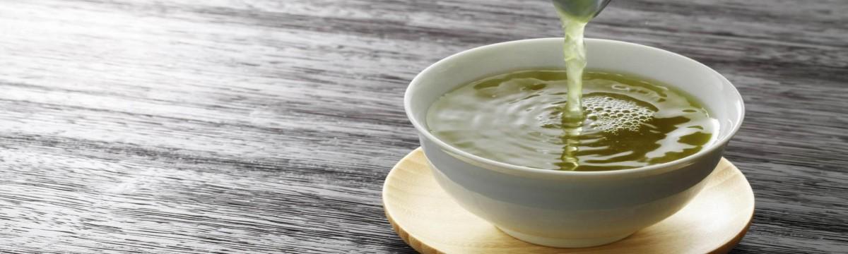 Frissít, fogyaszt, fiatalít: a zöld tea