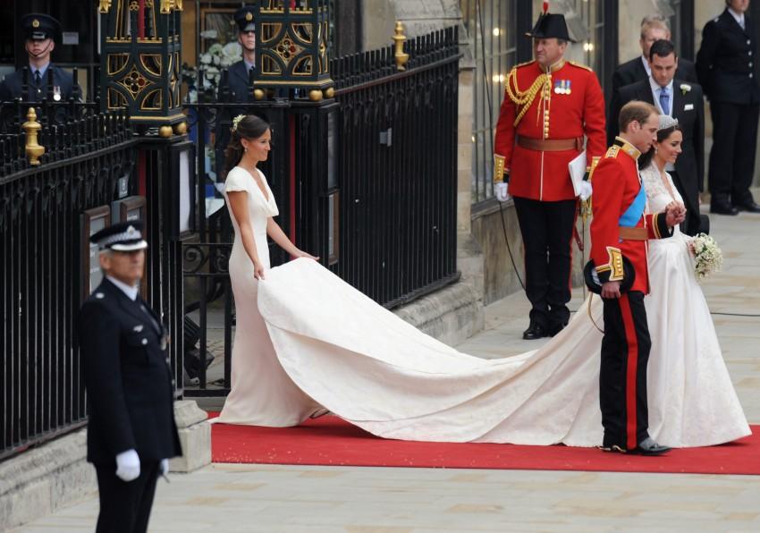 1ea0aeaeaf Súlyos vád: Katalin hercegné esküvői ruhája koppintás volt!