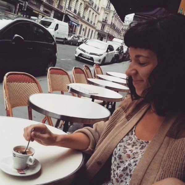 párizs találkozik a nők