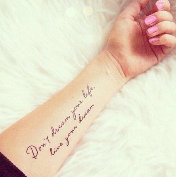 tetoválás idézetek olaszul A legjobb idézetes tetoválások, amik egyáltalán nem cikik