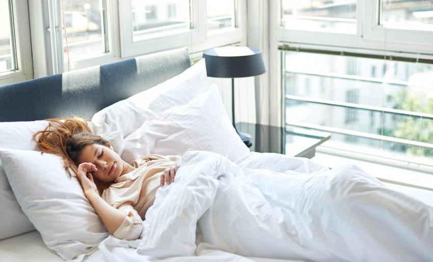 alvás ágy lusta pihenés