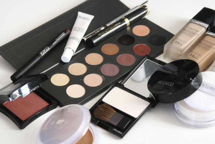 cosmetics-1063134_1920 (1)