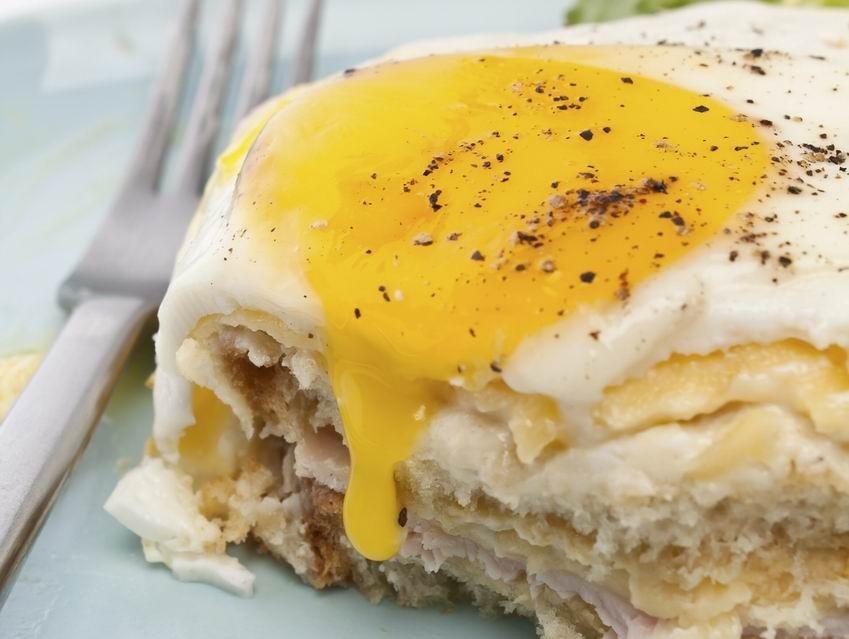 Croque monsieur tojással: ez a croque madame